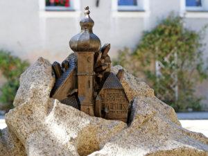 Die Tillenstadt am Sagenbrunnen