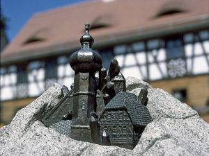 Der Sagenbrunnen am Marktplatz